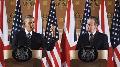 David Cameron ouve Barack Obama.