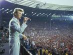 David Bowie actuando en el Live Aid en el estadio de Wembley (Londres) en 1985.