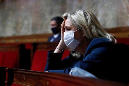 Marine Le Pen, na Assembleia Nacional em 8 de julho.
