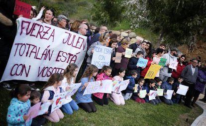 Moradores de Totalán (sul da Espanha) se reúnem nesta quarta-feira para expressar apoio aos familiares de Julen