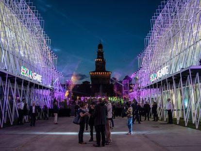Entrada da Exposição Universal de Milão 2015, na Piazza Castello.