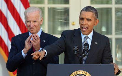 Barack Obama e o vice-presidente Biden durante o discurso sobre os resultados da reforma sanitária.