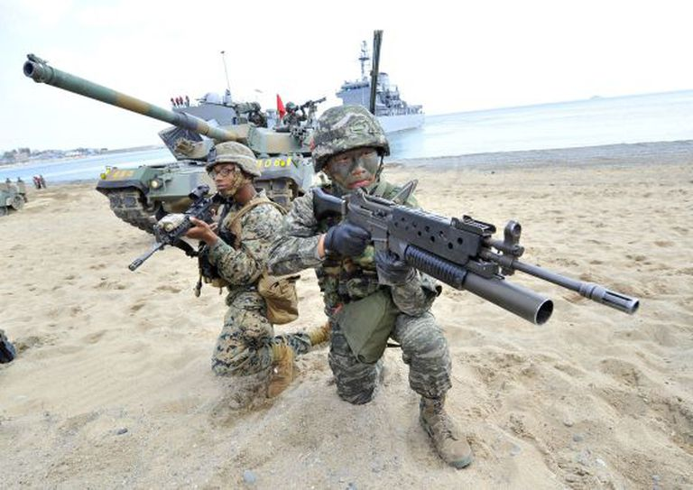 Marines dos Estados Unidos e Coreia do Sul durante um exercício em abril de 2013, em Pohang, 270 km ao sudoeste de Seul.
