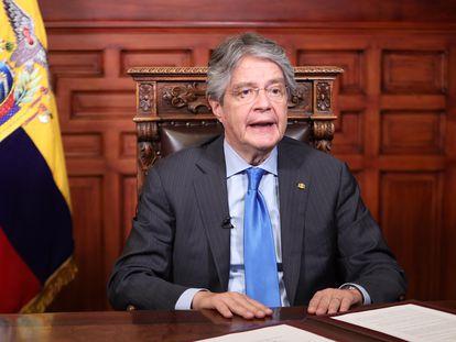 O presidente do Equador, Guillermo Lasso, durante o anúncio feito nesta segunda-feira.