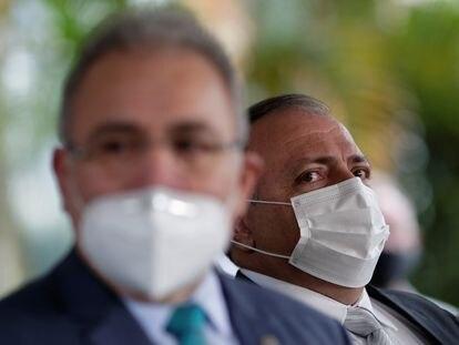 O médico Marcelo Queiroga e o general Eduardo Pazuello no dia 17, em Brasília.