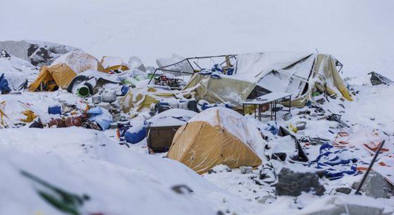 Campo Base do Monte Everest, em foto tirada no dia seguinte ao terremoto.