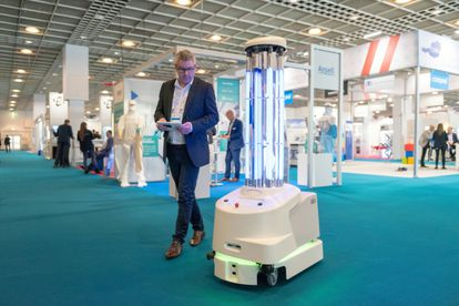 O robô ultravioleta CLZ18-Produkt-45.