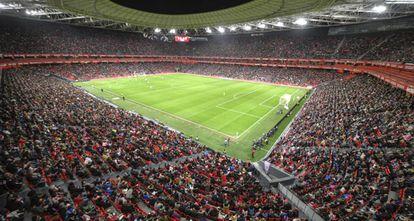 San Mamés, lotado para o jogo de futebol feminino entre Athletic e Atlético.