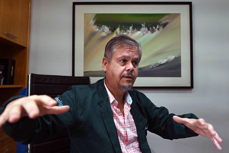 O dentista e profesor Adalcyr Luiz da Silva, em Brasília.