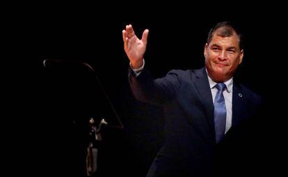 Rafael Correa em reunião na Colômbia