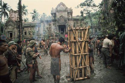Parte do grande cenário que precisou ser construído nas Filipinas para rodar 'Apocalypse Now'.