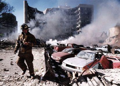 O atentado de Oklahoma, onde morreram 168 pessoas, foi provocado por Tim McVeigh, um extremista paranoico, mas não um doente mental