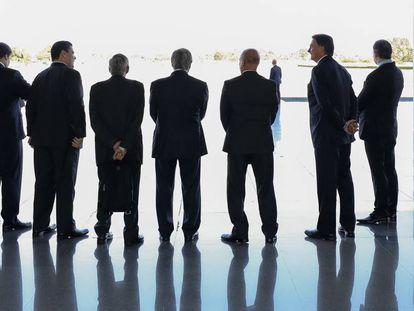 Maia, Alcolumbre, Heleno, Guedes, Onyx, Bolsonaro e Toffoli, na reunião do Alvorada.