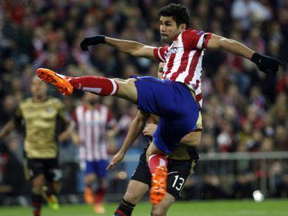 Diego Costa marca o 1 a 0 de volea