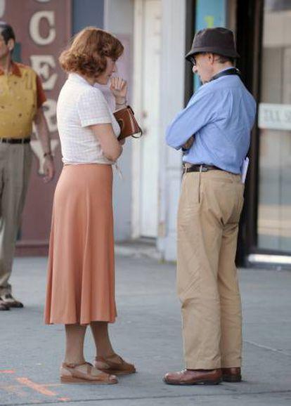 Kate Winslet e Woody Allen durante a filmagem de 'Wonder Wheel' em 2016.