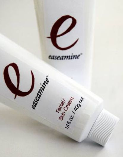 Embalagens do creme Easeamine.