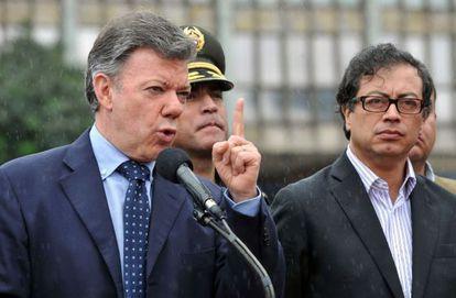 Santos, à esquerda, e o prefeito Petro, em julho de 2013.