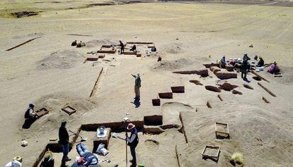Vista da jazida arqueológica de Wilamaya Patjxa, nos Andes peruanos, onde foram encontrados os restos da caçadora.