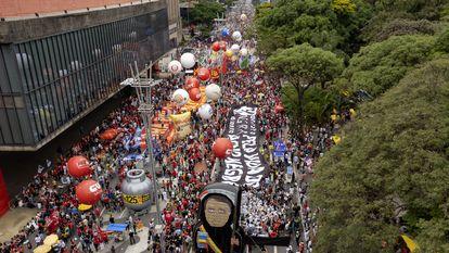 Imagens da avenida Paulista neste sábado, 2 de outubro.