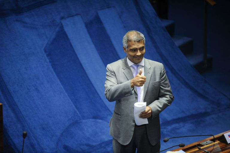 O senador Romário, que deve deixar o PSB.