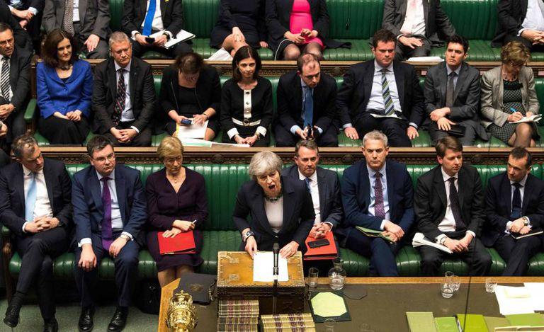 Theresa May se dirige nesta quarta-feira à Câmara dos Comuns.