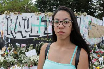 A aluna Maimby Alecx, que sobreviveu ao massacre.