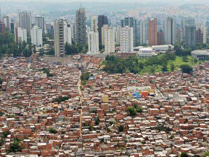 Vista aérea de favela no bairro do Morumbi, em São Paulo.