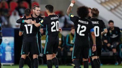 Bale, Vázquez, Asensio, Marcelo e Modric comemoram a virada do Real.