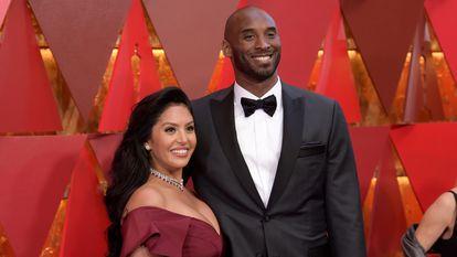Vanessa e Kobe Bryant ao chegarem à cerimônia do Oscar realizada em Los Angeles, Califórnia, em 2018.
