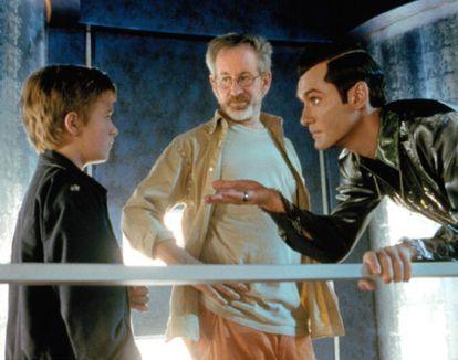 """""""Adoro saber que as crianças dos meus filmes deixem a carreira para ir à escola, estudar e depois voltar"""", disse Spielberg ao ator há um ano, quando se encontraram na estreia de """"Lincoln"""". Na foto, filmagens de """"A. I. - Inteligência Artificial""""."""