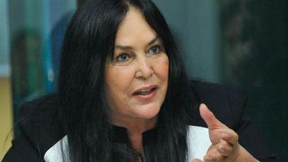 Rose de Freitas em audiência da comissão de orçamento.
