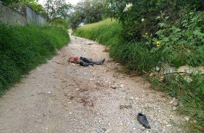 O corpo do repórter Héctor González Antonio.