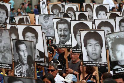 Protesto em Lima contra o indulto a Fujimori.