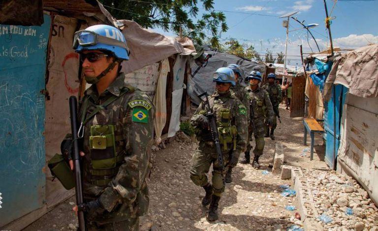 Soldados brasileiros integrantes da Minustah, no Haiti.