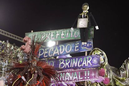 Desfile da Mangueira, que retratou o prefeito do Rio.