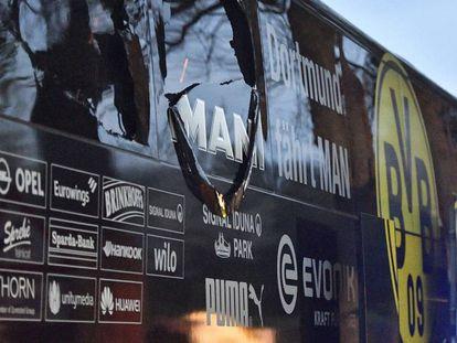 Ônibus do Dortmund após o ataque em 11 de abril.