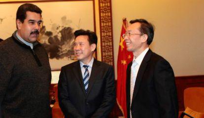 Nicolás Maduro com empresários chineses, nesta terça, em Pequim.