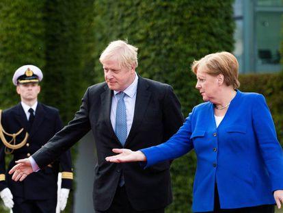 O primeiro-ministro britânico, Boris Johnson, e o chanceler alemã, Angela Merkel, em agosto em Berlim.