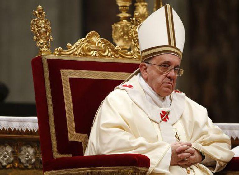 O papa Francisco em uma missa em São Pedro.