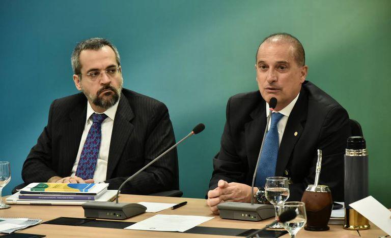 Abraham Weintraub e Onyx Lorenzoni, durante o governo de transição.