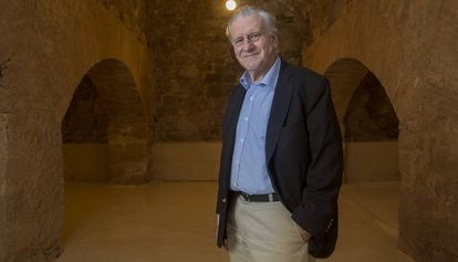O médico Valentín Fuster, no auditório que leva seu nome na localidade catalã de Cardona.