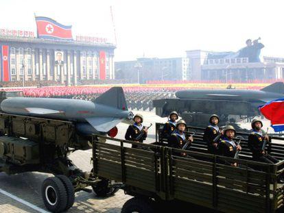 Desfile de armamento em Pyongyang (Coreia do Norte) em 2012.