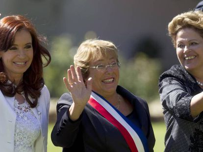 Cristina Kirchner (esquerda), ex-presidenta da Argentina, Michelle Bachelet do Chile (centro) e Dilma Rousseff, do Brasil