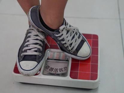 O círculo vicioso da insatisfação com o corpo, dieta e compulsão por comida