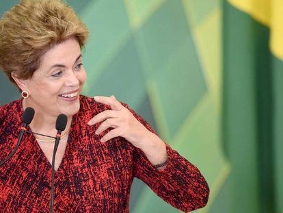 Dilma em cerimônia em Brasília nesta segunda.