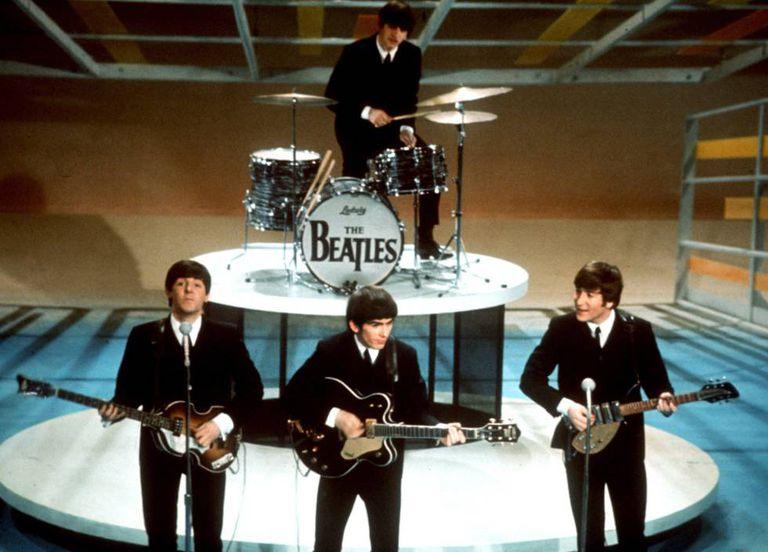 Os Beatles, no programa 'Ed Sullivan Show', em 1964.