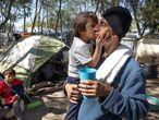 Una familia que esperaba para pedir asilo en Matamoros, México, el pasado febrero.