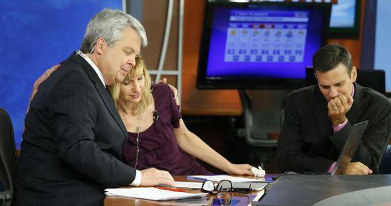 Jornalistas da CBS nesta quinta-feira.