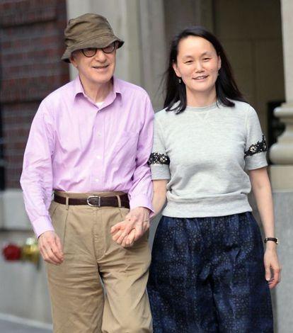O casal passeando por Nova York.