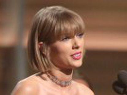 A vencedora dos Grammy usa tom feminista em discurso depois de ser insultada por Kanye West em seu novo disco,  The Life of Pablo